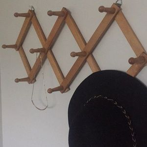 Reseller Expandable Display Coat Jewelry Hanger